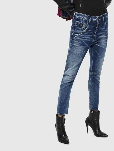 המכנס הוא שילוב ייחודי לדיזל וראשון מסוגו, המשלב תפירה בצורת שתי וערב של שני סוגי בד - פוטר ודנים, לנוחות מירבית. הוא בגזרת מותן רגילה, בויפרנד (