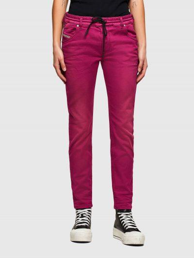 המכנס הוא שילוב ייחודי לדיזל וראשון מסוגו, המשלב תפירה בצורת שתי וערב של שני סוגי בד- פוטר ודנים, לנוחות מירבית. הוא בגזרת מותן רגילה, סלים ברגלי