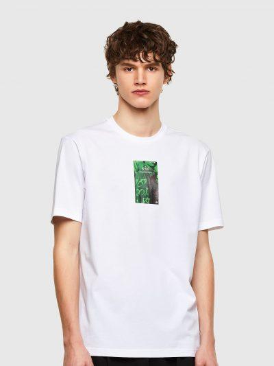 טישרט שרוול קצר בגזרה רגילה בצבע לבן עשויה כותנת ג'רזי משובחת וקלה. במרכז החזה הדפס מרובע בצבע ירוק של צג טלפון.