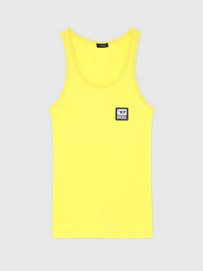 גופיית כותנה מבד ריב בצבע צהוב ובגזרה צמודה. עם פאץ' לוגו קטן בחזה בצד שמאל.