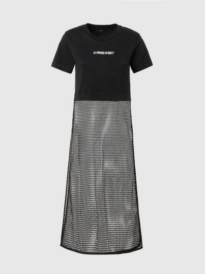 שמלת חוף בצבע שחור עם שרוולים קצרים ובגזרה רגילה. השמלה תפורה בשני חלקים. החלק העליון מבד טישרט אטום עם הדפס לוגו המותג בחזה והחלק התחתון מבד רשת
