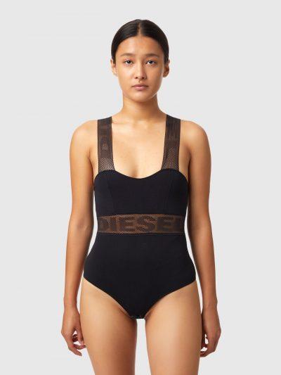 בגד גוף, צבע שחור, כתפיות רשת עבות עם לוגו, בד רשת עבה עם לוגו מתחת לחזה