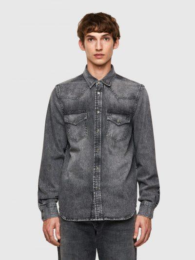 חולצת ג׳ינס, סגירת כפתורים, צבע אפור כהה מאוד משופשף, כיסים מקדימה