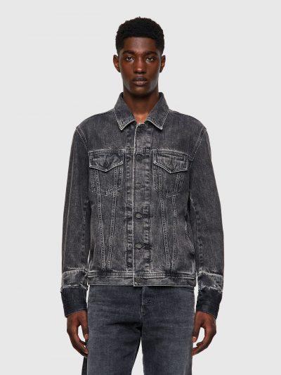 ג׳קט ג׳ינס, צבע אפור כהה, משופשף, סגירת כפתורים, פאץ׳ עור על העורף