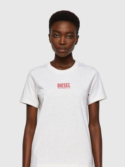 חולצת טי, שרוולים קצרים, צבע לבן, לוגו דיזל קטן בצבע ורוד