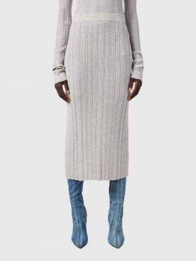 חצאית, בד סריג צמר, צבע אפור בהיר, אורך מידי, טקסטורה של פסים לאורך, שסע מאחור